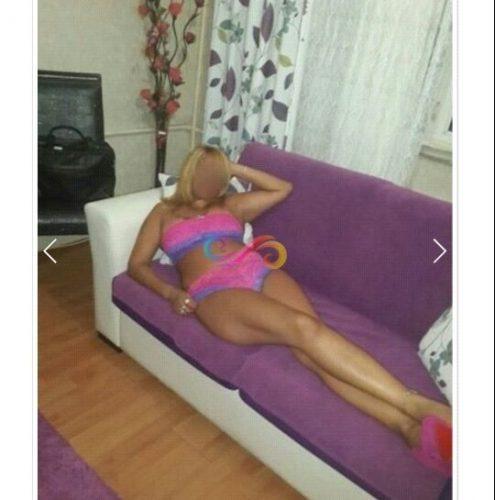 Cıvıl-cıvıl otelde buluşan kadın Işilti