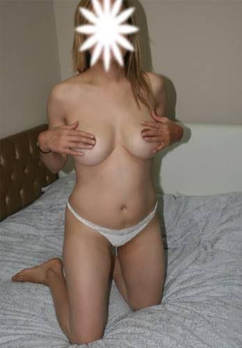 Eşsiz beyaz tenli kadın Fidan