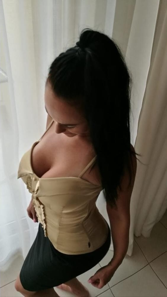 Muhteşem oral yapan escort Cihannur