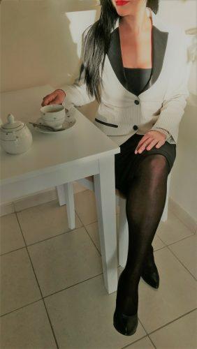 Seks kraliçası genç kadın Ekim