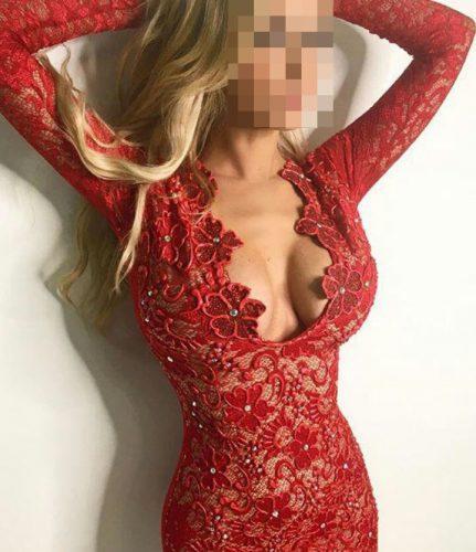 Seks kraliçası ön sevişme yapan kadın Büşra